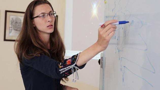 Výsledky svého úsilí při studiu masivních hvězd v pozdních vývojových stadiích a jejich okolí představí odborníkům i příznivcům astronomie Olga Maryeva působící v mezinárodním týmu Stelárního oddělení na observatoři Astronomického ústavu Akademie věd ČR.