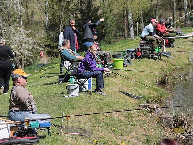 První letošní rybářské závody v Kladrubech.