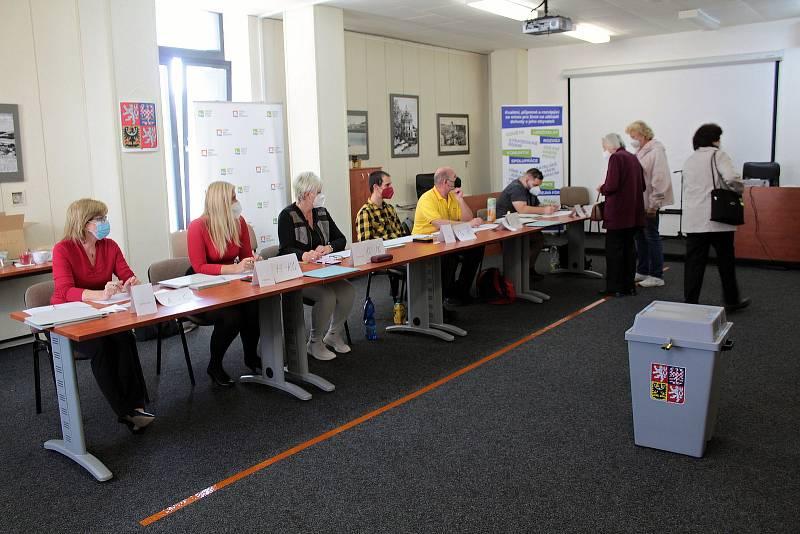 Parlamentní volby: Týnec nad Sázavou, volební okrsek číslo 2.