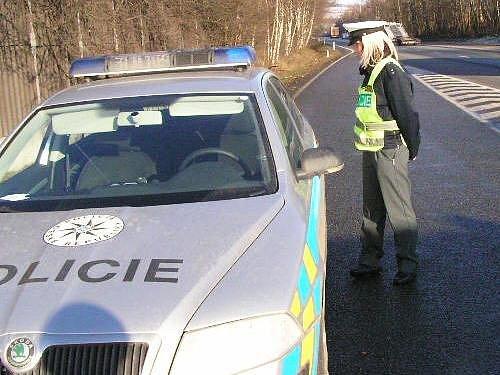 Nová budoucí posila benešovské dopravní policie je zatím více ve škole, než na silnici
