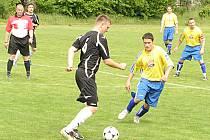 Ve fotbalové III. B třídě vyhrálo Mezno v Nesperské Lhotě 3:0 a dostalo se do čela tabulky.