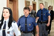 Z vražedného jednání v Jankovské Lhotě na Benešovsku se před Krajským soudem v Praze zpovídal 62letý Jiří H.