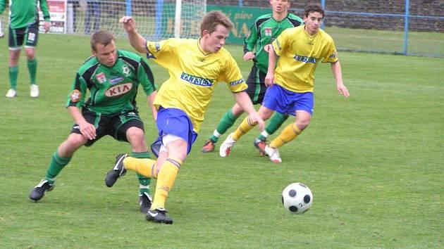 Fotbalový zápas divize SK Benešov - 1. FK Příbram B 2:0.