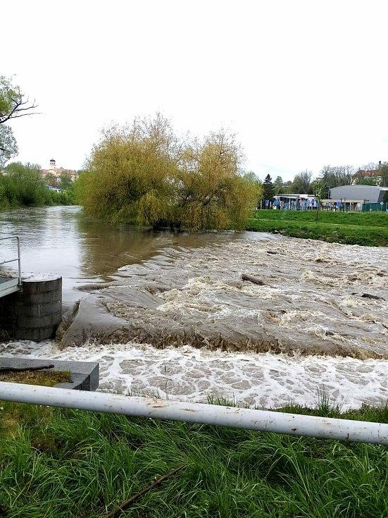 Řeka Blanice ve Vlašimi.