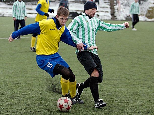 Přípravné zápasy se hrály na umělkách. V Benešově se Teplýšovicím dařilo, když porazily místní béčko, hrající I. A třídu, 3:1.
