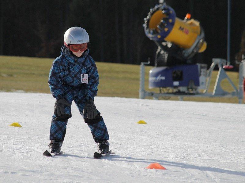 Zatímco jedni nazuli na nohy lyže, druzí se vydali na golfové hřiště.