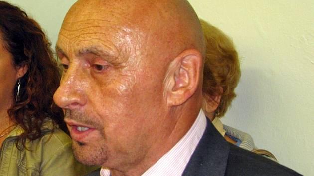 Bohumír Hašek, ředitel Základní školy a mateřské školy Vrchotovy Janovice.