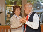 Baráčnická tancovačka oživila Sázavu v sobotu 27. října.