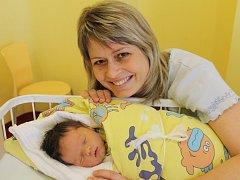 Slavnostním dnem pro Markétu a Tomáše Votrubovy je 12. leden. V 4.25 se jim narodila holčička Linda. Při příchodu na tento svět vážila 3,94 kilogramu a měřila 52 centimetrů.  Doma v Heřmaničkách má sestřičku Anetku (4).