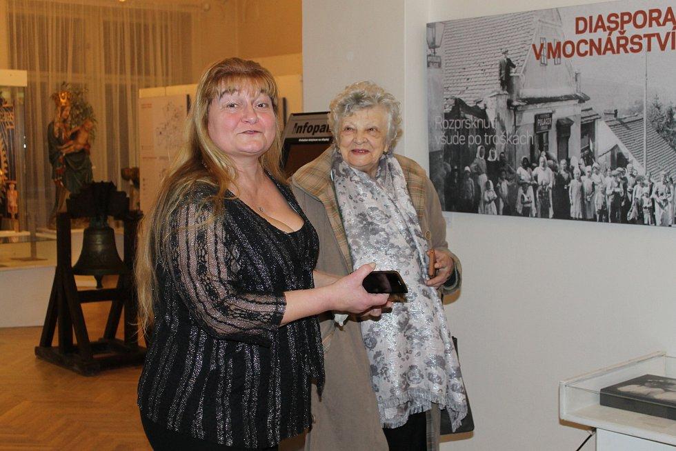 Vernisáž, která se uskutečnila 1. února v Muzeu umění a designu v Benešově, otevřela výstavu s tématikou tridentského exodu.