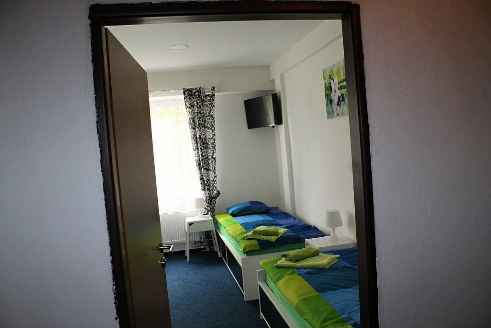 Rekonstruovaný pokoj hotelu na ZS.