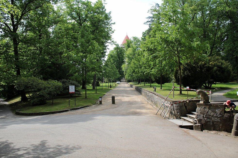 V zámeckém parku na Konopišti.