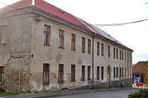 Objekt bývalé školy v Neustupově.