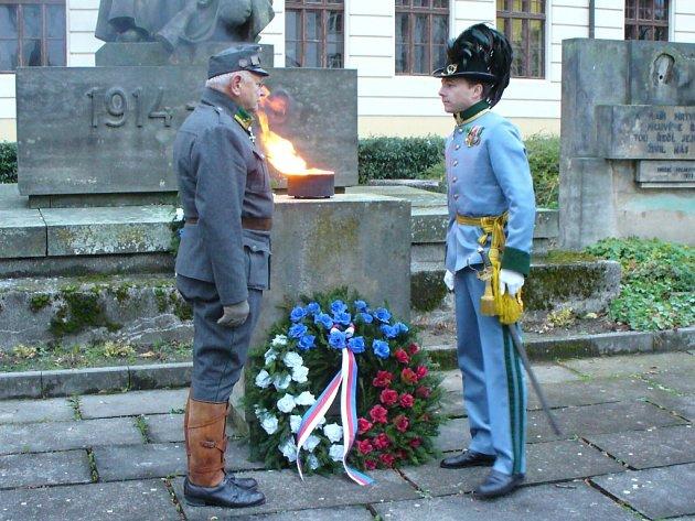 Také v Benešově si v pondělí 11. listopadu připomněli Den válečných veteránů.