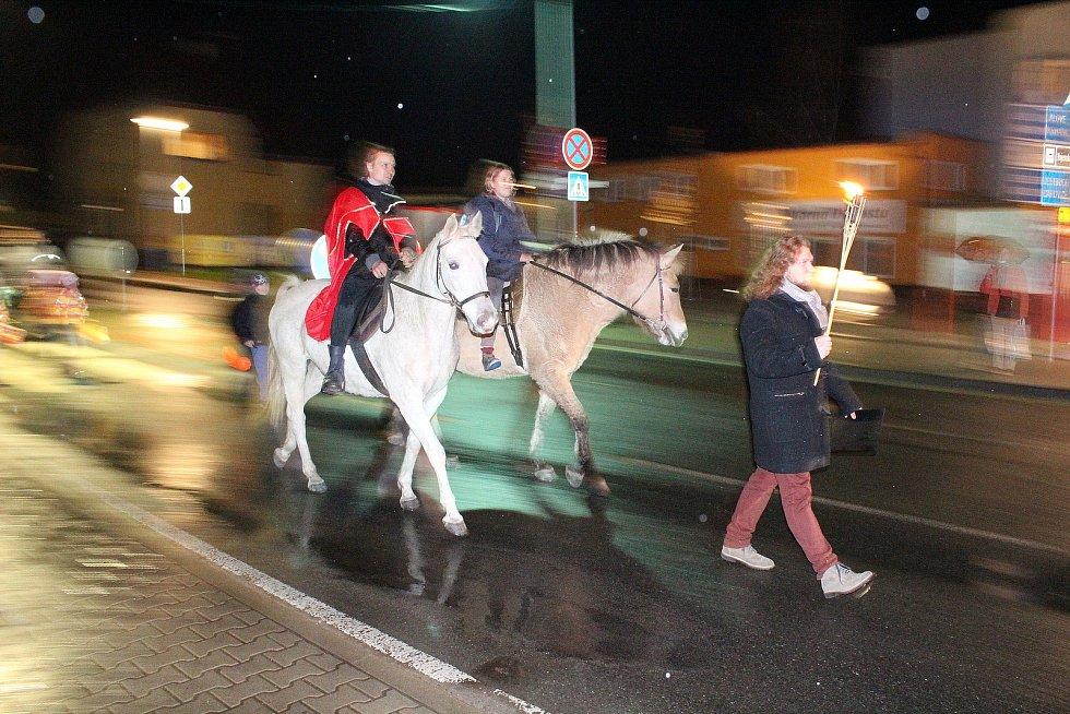 Lampionový průvod v Týnci nad Sázavou.