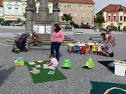 Herničku vytvořili pod širým nebem na votickém náměstí.