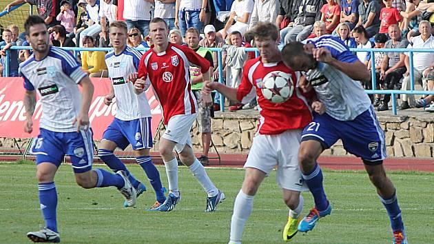 Vlašimským fotbalistům se ve Znojmě podařil parádní úlovek, když domů dovezli tři body.