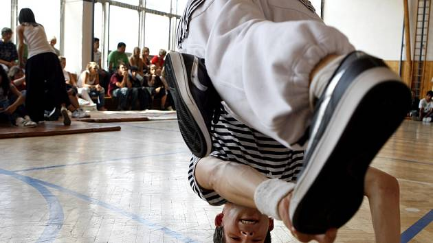 Projekt pro základní školy Tancuj a nedrob stále pokračuje.