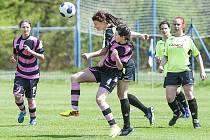 Ženský fotbalový tým DFC Panterky Čechtice.