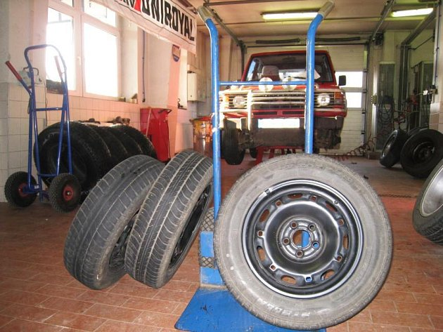 Výměna zimních pneumatik za letní v Barumu Benešov