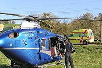 Oba řidiče transportovala Letecká záchranná služba do pražské nemocnice. Ilustr. foto.