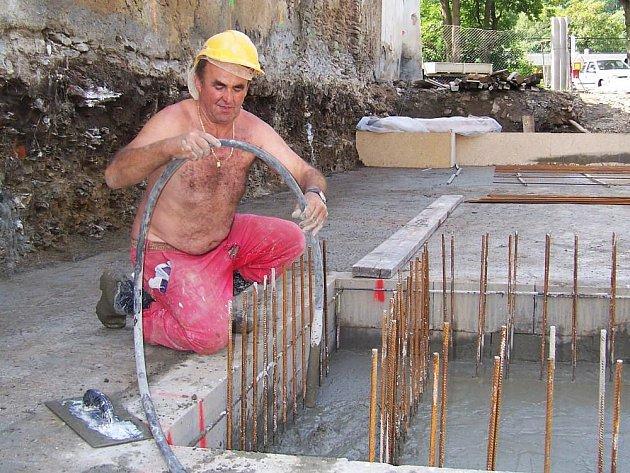 Stavba má být dokončená až na přelomu roku.