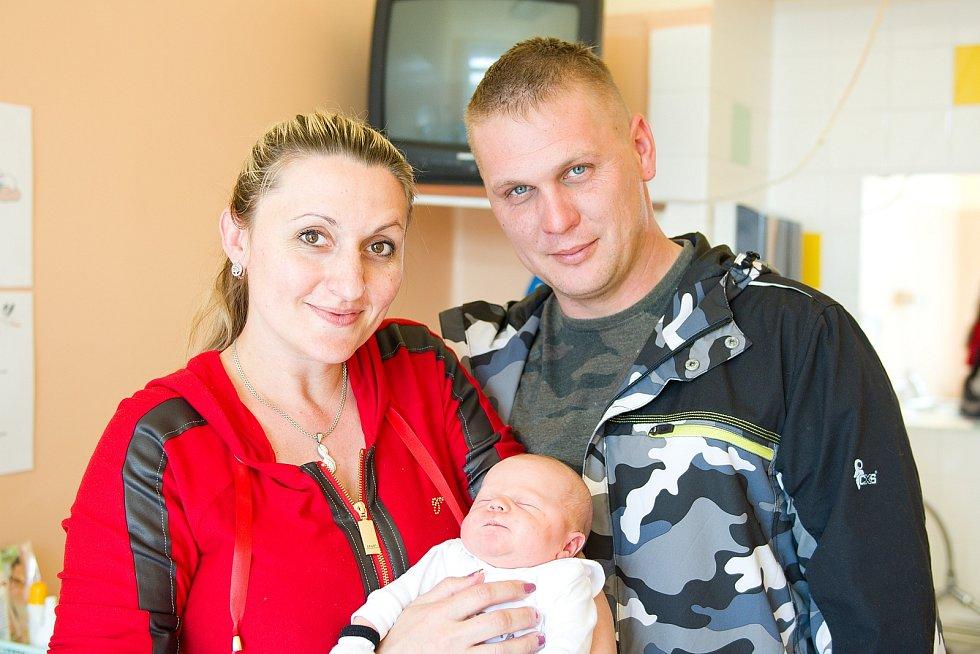 Jiří Jan Suchánek z Nové Vsi se narodil v nymburské porodnici 23. dubna 2021 ve 2.43 hodin s váhou 3770 g a mírou 50 cm. Na chlapečka se těšili maminka Radka, tatínek Jiří a bráškové Zbyněk (15 let) a Filip (14 let).