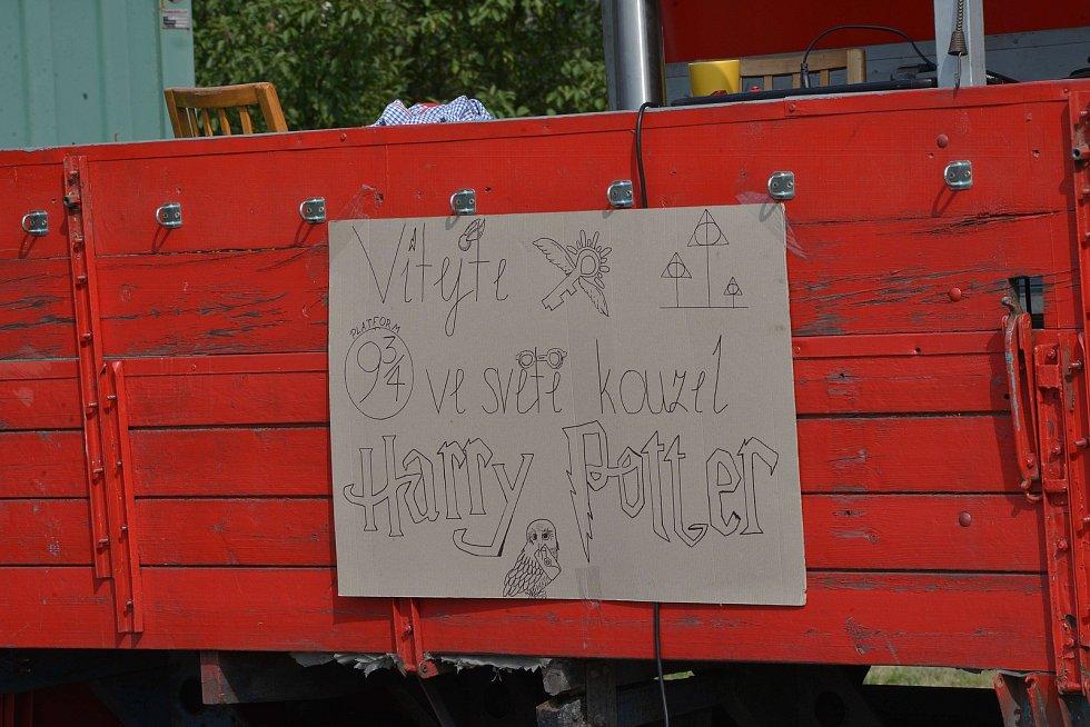 Děti se ponořily do světa Harryho Pottera.