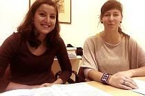 Benešovský volební okrsek číslo 19 s předsedkyní volební komise Martinou Rubešovou (vlevo).