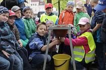 Akce pořádaná ke Dni Země se konala 22. dubna také na benešovském Masarykově náměstí.