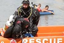 Do záchranné akce se zapojily i profesionální potápěči./Ilustrační foto