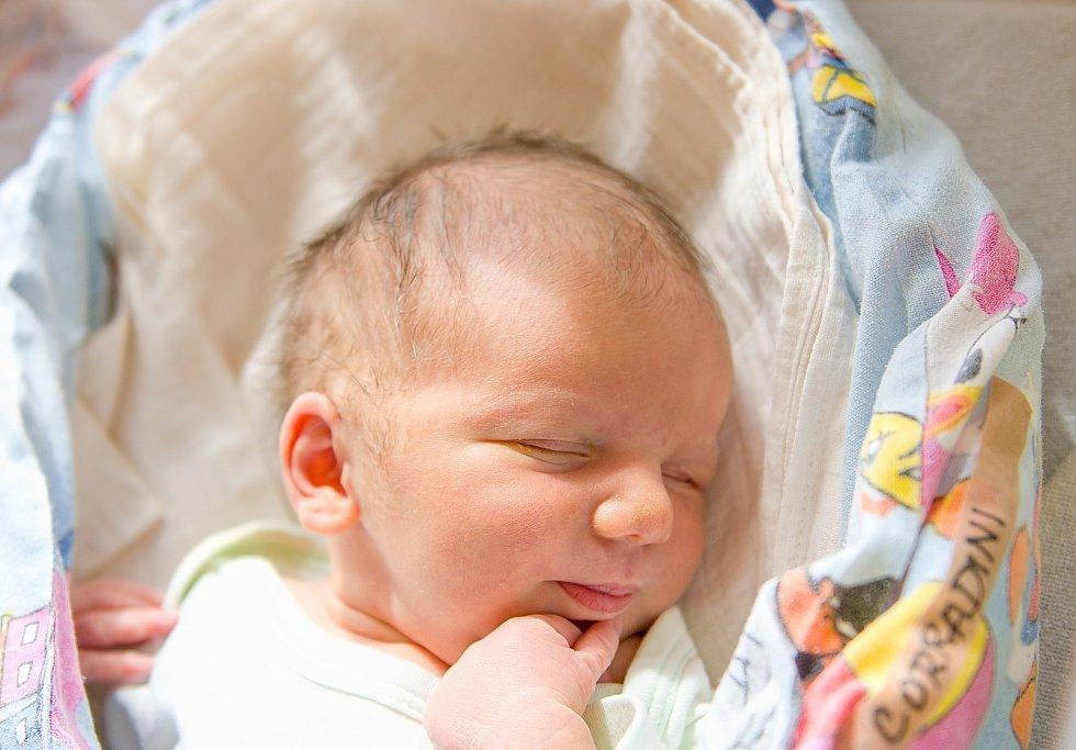 Ondřej Corradini se narodil v nymburské porodnici 27. dubna 2021 v 1.36 hodin s váhou 3640 g a mírou 51 cm. V Českém Brodě se na chlapečka těšili maminka Eliška, tatínek Pavel a sestřička Šárka (6 let).