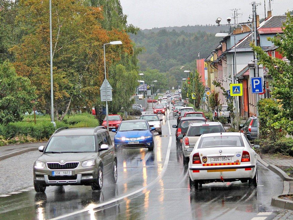 Čechovou ulicí v Benešově projíždí už nyní sedm až deset tisíc aut za den.