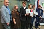 Ze soutěže 'Kraje pro bezpečný internet' si studenti Vyšší odborné a Střední zemědělské školy v Benešově odnesli nejvyšší ocenění.