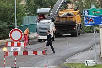 Ulice Nové  Pražská je od kruhového objezdu před mostem přes železniční trať až ke světelné křižovatce do 19. září uzavřená.