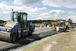 Rekonstrukce silnice E55 u Benešova, pátek 1. července 2016.