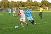 V okresním derby se byl v souboji kapitánů u míče dříve choceradský Jaroslav Říčař než teplýšovický Milan Ottl.