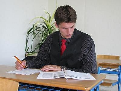 Státní písemné maturity z anglického jazyka na ISŠT Benešov si vystřihl i pyšelský freestalista Petr Pilník Pilát.