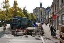 Na náměstí v Benešově unikal zemní plyn