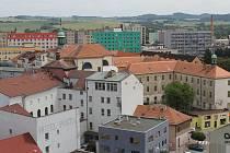 Benešov chce privatizovat jen část ze svých 1870 bytů, ovšem vždy po celých domech, nikoliv po jednotlivých bytech.