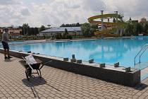 Na rozdíl od Benešova má Vlašim (na snímku) velký venkovní bazén. Zase ale postrádá krytý plavecký stadion, jímž disponuje Benešov.