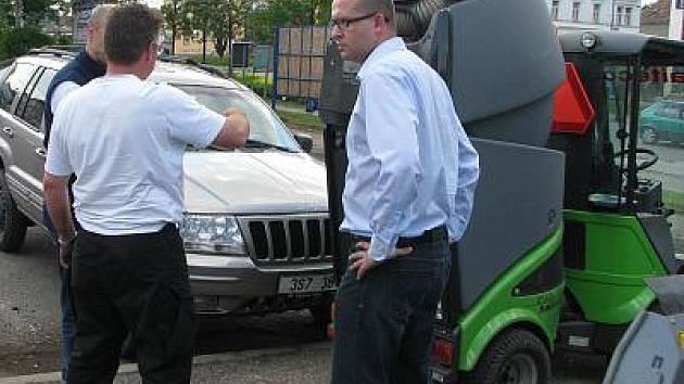 Nový čístící stroj vyjede do ulice Benešova už v polovině ledna.