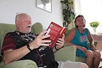 Autorské čtení v Domově pro seniory v Benešově.