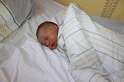 Irena Toušková a Petr Starosta jsou od 1. března rodiči Adama Toušky. Chlapeček po narození ve 13.09 vážil 3300 gramů a měřil 47 centimetrů. Doma v Chotýšanech na brášku čeká Simona (4).