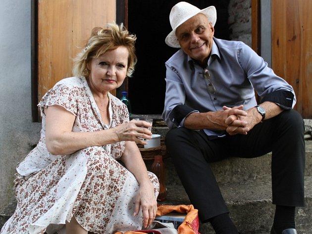 Týnecká Letní divadelní scéna v Posázaví, Eva Hrušková a Jan Přeučil.