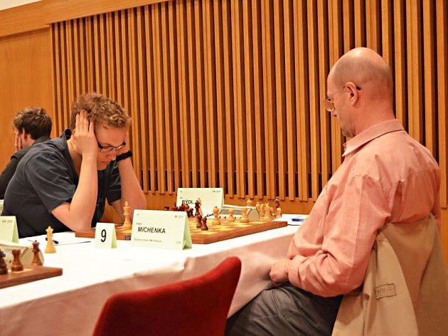 Jirka Rýdl (vlevo) si v Ostravě uhrál první normu potřebnou pro zisk titulu mezinárodního mistra!