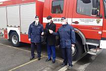 Předání cisternové stříkačky hasičům v Bystřici.