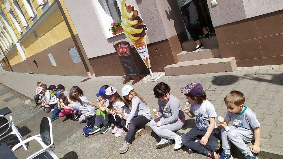 Myšky z Mateřské školy Divišov oslavovaly Den dětí.