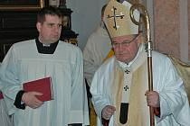 Před svátkem sv. Václava  bude v sobotu 20. září pražský arcibiskup kardinál Dominik Duka  sloužit od 14 hodin mši svatou na samém vrcholu hory Blaník.
