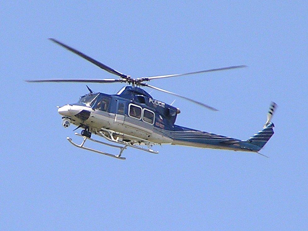 Nad místem nehody prolétal kvůli dokumentaci události i vrtulník policie
